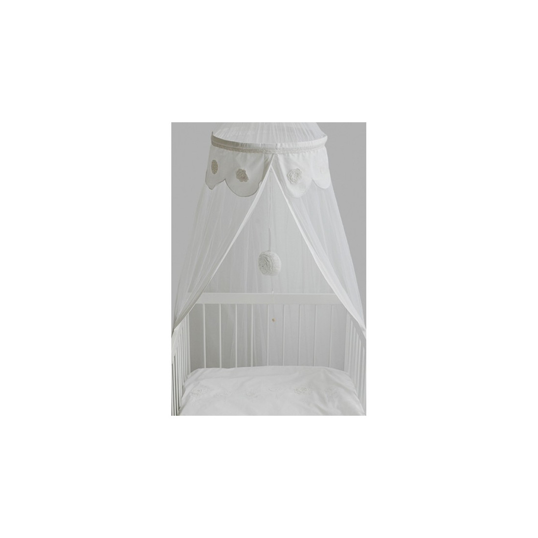 ciel de lit moustiquaire crochet blanc fleurs blanches ma chambramoi. Black Bedroom Furniture Sets. Home Design Ideas