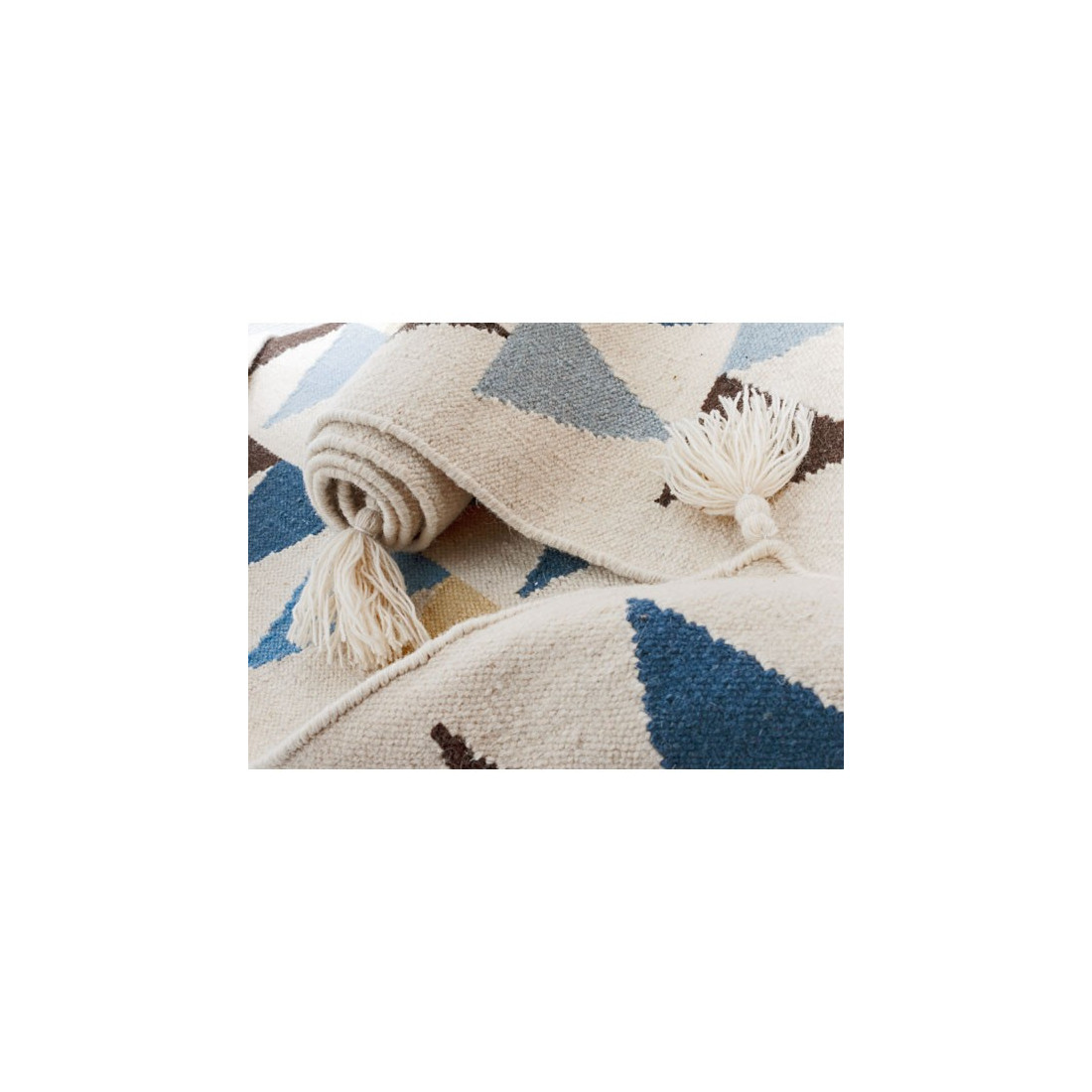 tapis enfant laine triangles bleu art for kids ma chambramoi. Black Bedroom Furniture Sets. Home Design Ideas