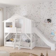 Lit-cabane-superposé-avec-toboggan-pour-chambre-enfant