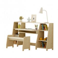 Bureau-enfant-montessori-avec-étagères-