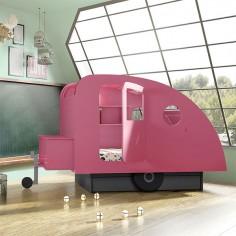 Lit en forme de Caravane rose