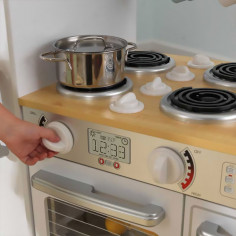 cuisine-enfant-avec-bouton-qui-tourne